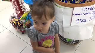 Buğlem ile markete gittik #sürprizyumurta #toybox #ozmo aldık #süprizyumurta hangi oyuncak çıktı