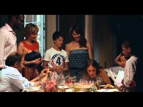 Joven y Bonita Trailer