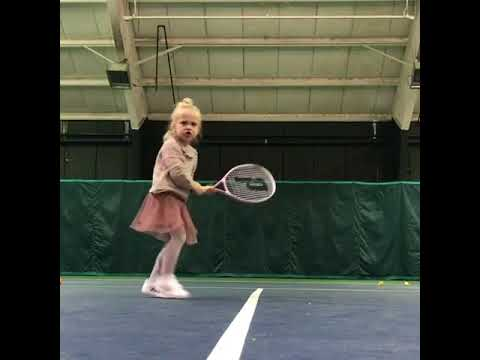 Little Girl Shows Off Tennis Skills 987751 Youtube