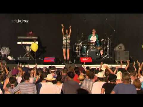 Charli XCX - MELT Festival 2013