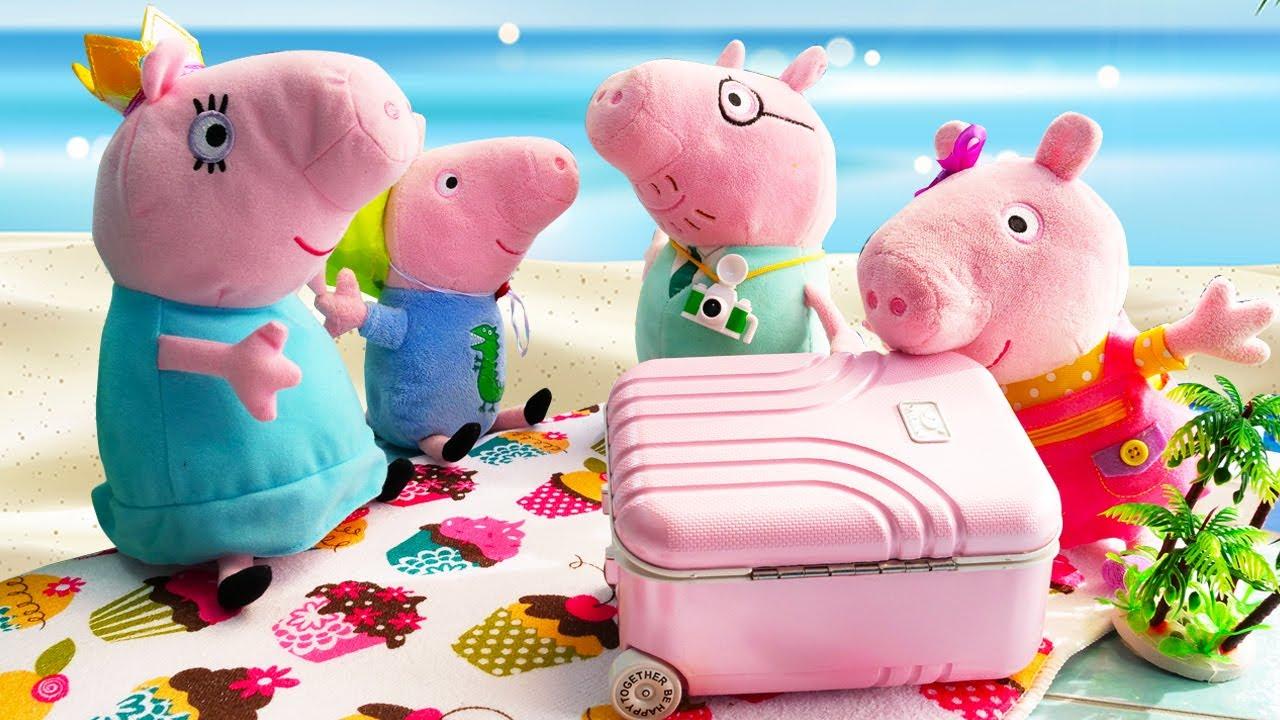 ¡Peppa Pig de vacaciones en familia en la playa y en el parque de atracciones! Juguetes de peluche