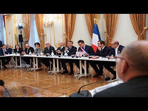 Emmanuel Macron participe