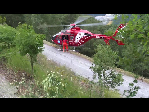 Spectacular Rescue of a cyclist with heart attack in the mountains by Air Zermatt in Switserland