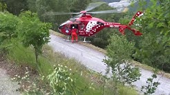 Spectacular Helicopter landing to rescue a cyclist with heart attack by AirZermatt Switserland
