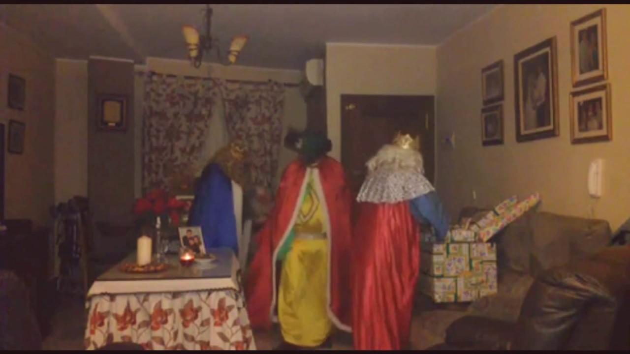 Los Reyes Magos Llegan a Casa - Genito, Efraín y Samuel