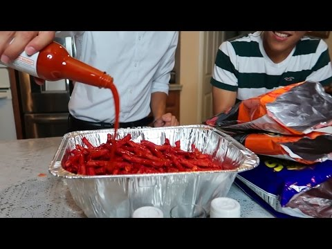 HOT CHEETOS AND TAKIS CHALLENGE (LOSER DRINKS TAPATIO)