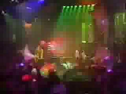 TOY DOLLS - Nellie the elephant . TOTP 1984