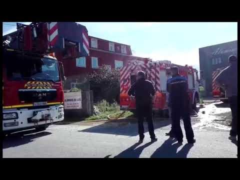 Incendio en un almacén de maquinaria en Ribadeo