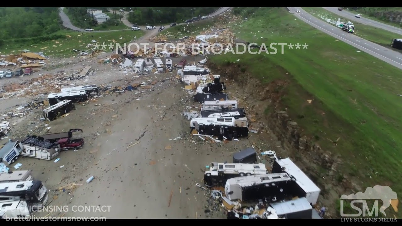 Catastrophic' tornado hits Jefferson City, other Missouri