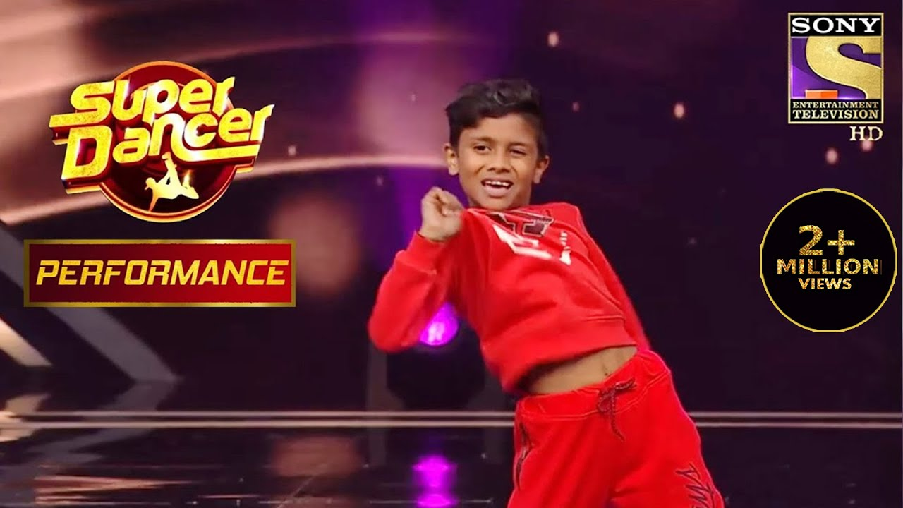 "Nikhil's Unbeatable & Energetic Performance On ""Malhari"" 