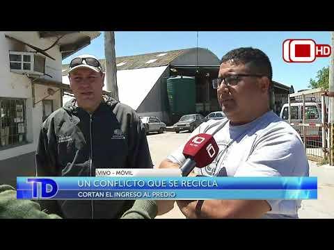 Móvil: Trabajadores cortan el ingreso del predio de recolección de residuos