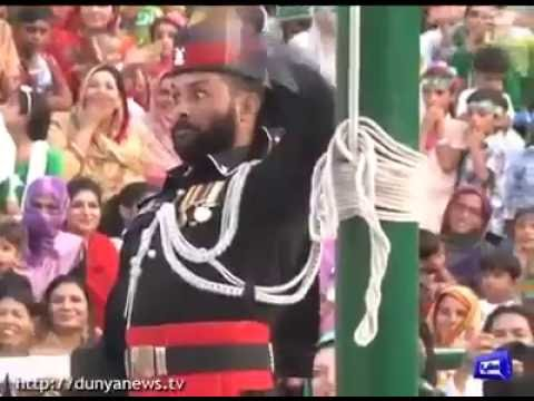 14th 2016 August Funny Parade Pakistani soldiers