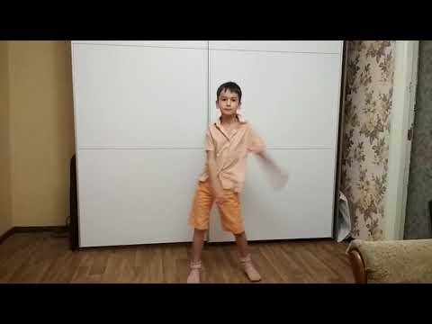 kid dancing like