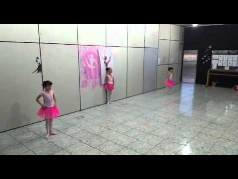 Studio Arte & Movimento - Pré ballet