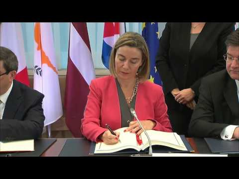 EU and Cuba sign a Political Dialogue and Cooperation Agreement (version ES)