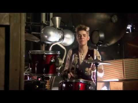 Justin Bieber - Santa Claus is Coming to Town (Behind The ...