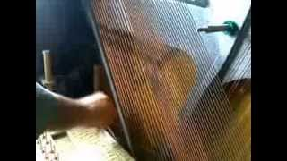 небольшая предварительная регулировка молоточков и струн