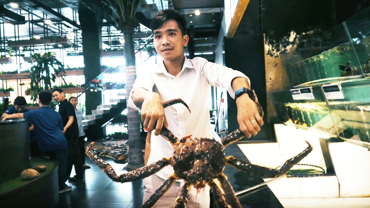 PHD | Thử Thách Vào Nhà Hàng Ăn Cua Alaska | King Crab