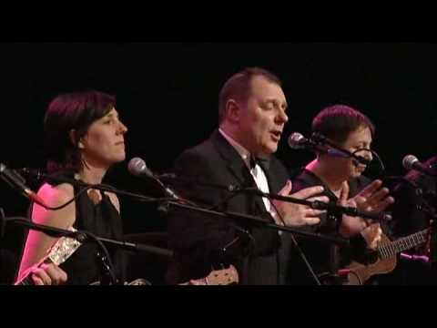 """The Ukulele Orchestra of Great Britain - """"Wuthering Heights"""""""