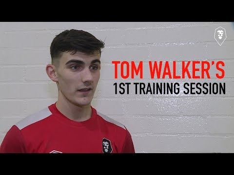 NEW SIGNING | Tom Walker's first training session at Salford!