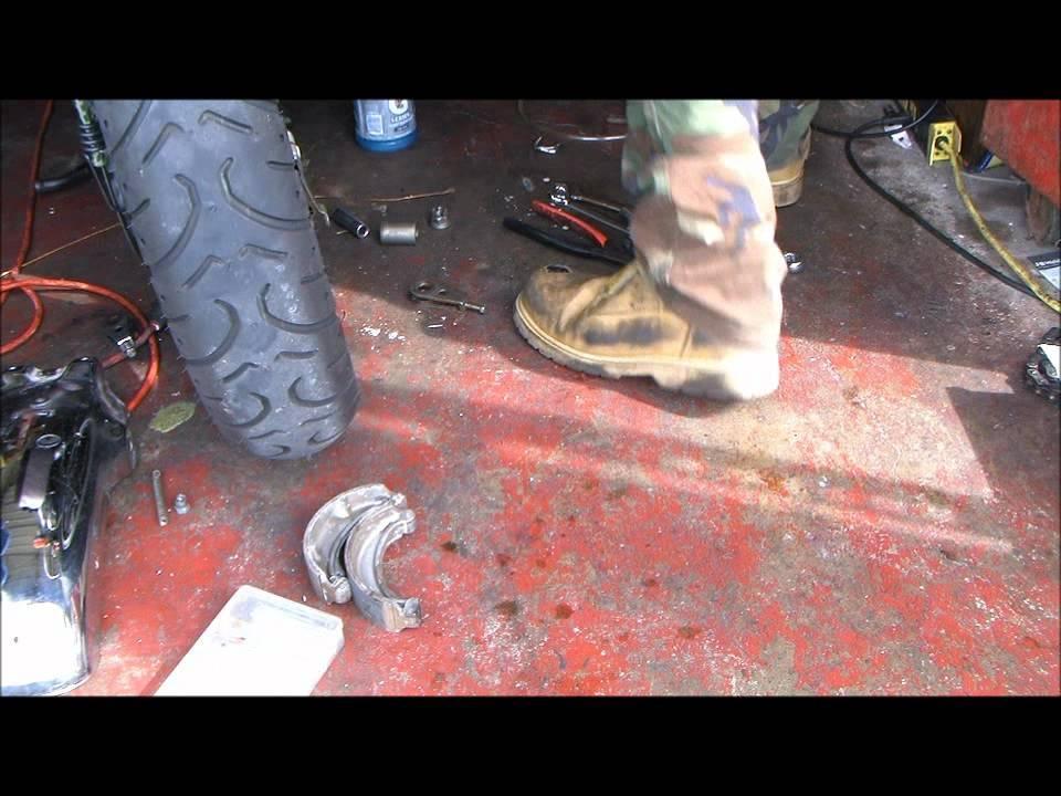 Installing Rear ke Shoes on most older Hondas - YouTube on
