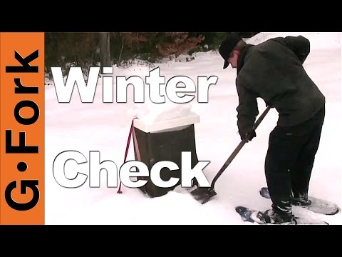 Clearing Snow Off Beehives – Beekeeping 101 – GardenFork