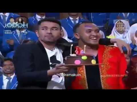 Heboh Hot!! Raffi Ahmad sengaja pegang