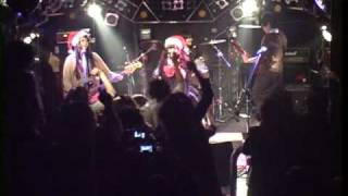 Tiaraの初ライブ映像です! 昨年のクリスマスイブの時の映像です。 コピ...