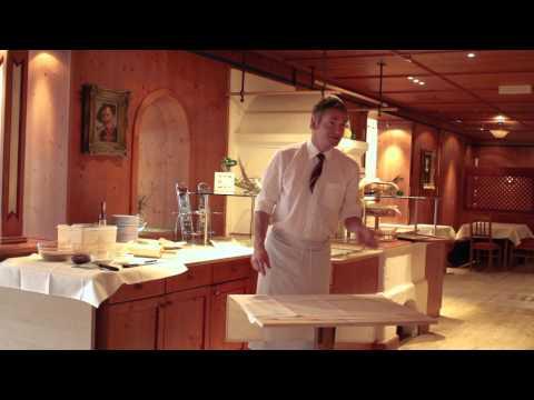 Apfelstrudel Backen Am Grundlsee Im MONDI-HOLIDAY HOTEL Grundlsee