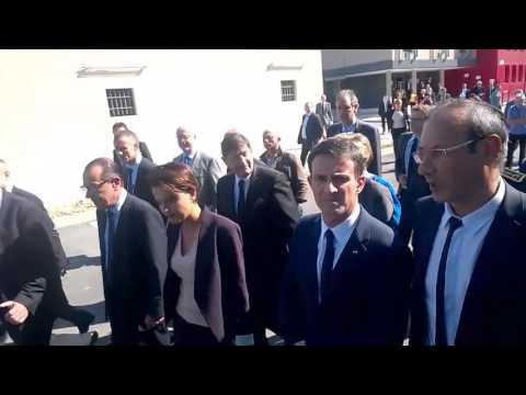 Manuel Valls et Najat Vallaud-Belkacem auprès des étudiants