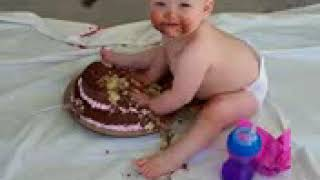 First Birthday Cake   Funny Baby00