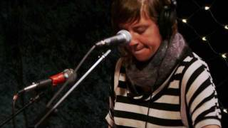 tUnE-yArDs - Gangsta (Live on KEXP)
