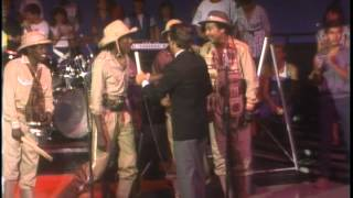 Dick Clark Interviews Lakeside- American Bandstand 1984