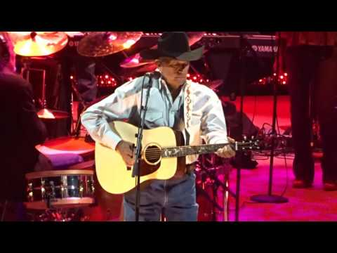 George Strait - Amarillo by Morning, live at T-Mobile Arena Las Vegas, 29 July 2017