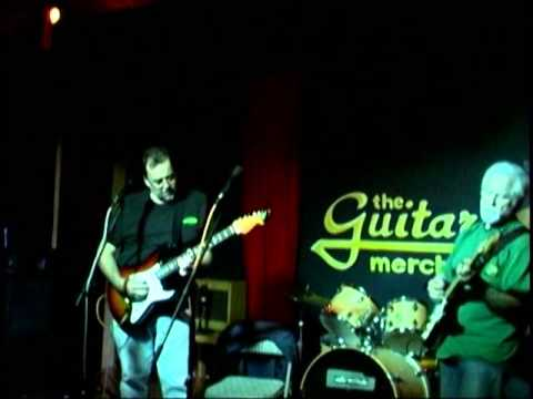 Alan Corrao and Ron Lavery Perform Peaches & Diesel At Guitar Merchant 061313