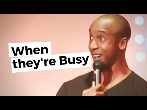When women say they're busy | Berlin Stand Up Comedy