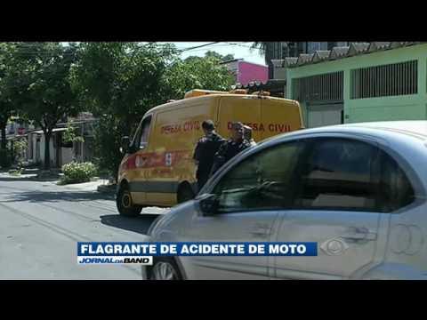RJ: câmeras de segurança gravam acidente de moto fatal