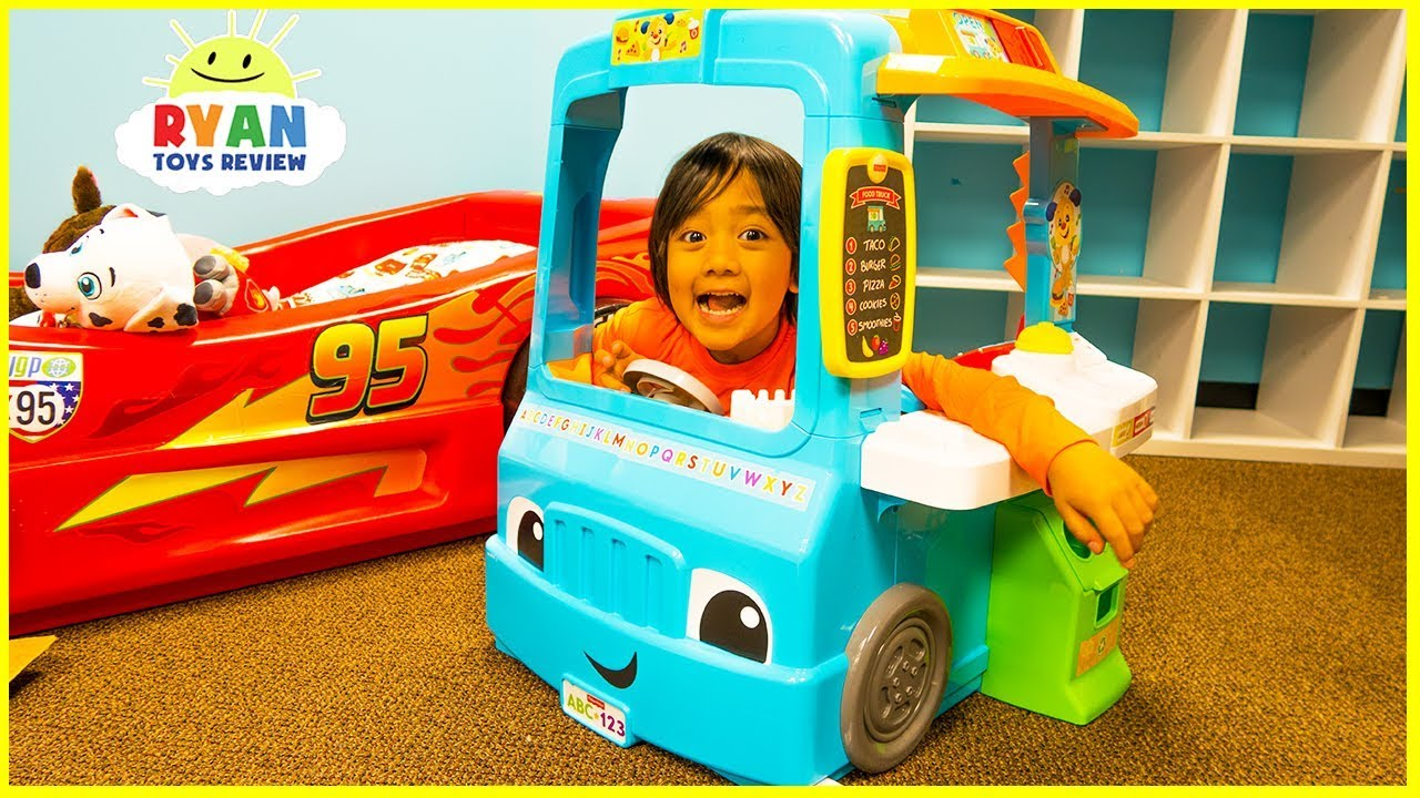 Ryan Pretend Play with Food Cooking Truck and Kitchen Playset - YouTube