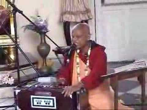 Lokanath Maharaj singing Prasadam Prayer
