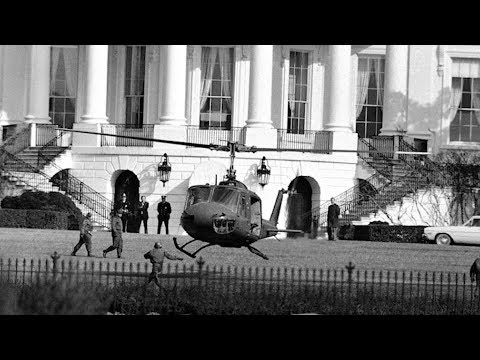Disgruntled soldier buzzes White House in stolen helicopter - 2/17/1974