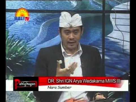 Dr. Arya Wedakarna - Institut Sansekerta Bali
