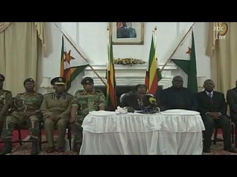 """""""Jogo"""" de Mugabe indigna oposição e ex-combatentes"""