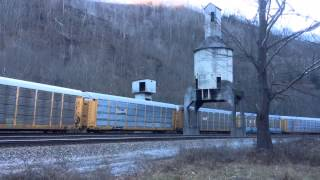 NS E/B Autoracks at Farm, WV