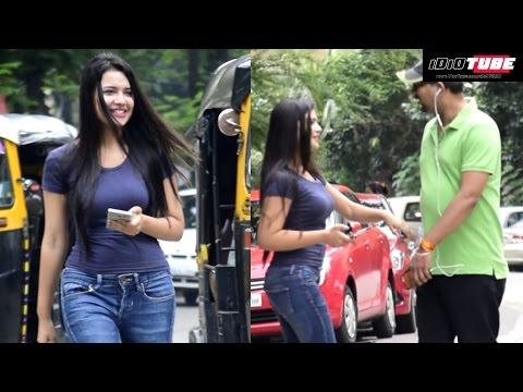 Hot Girl Sticky Handshake Prank   iDiOTUBE