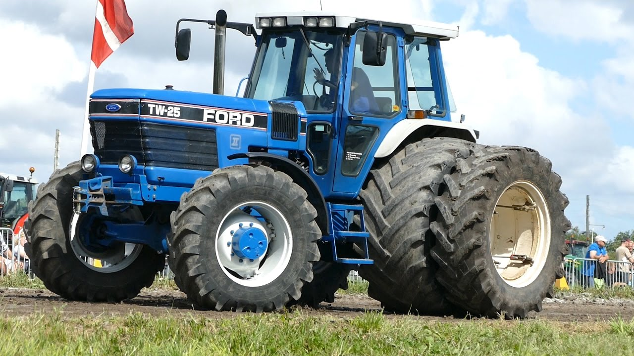 Ford Pulling Tractors : Ford  tw tractor