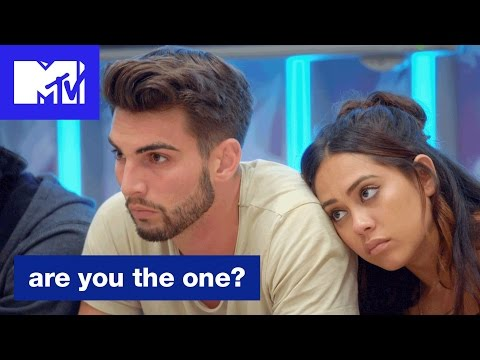 'The Talking Pillow' Official Sneak Peek | Are You the One? (Season 5) | MTV