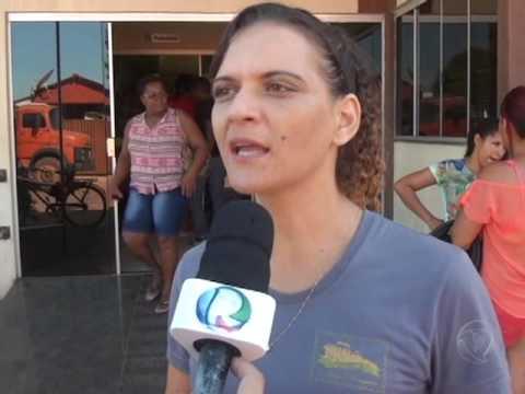 Profissionais da educação fazem manifestação em Confresa pelo pagamento do RGA