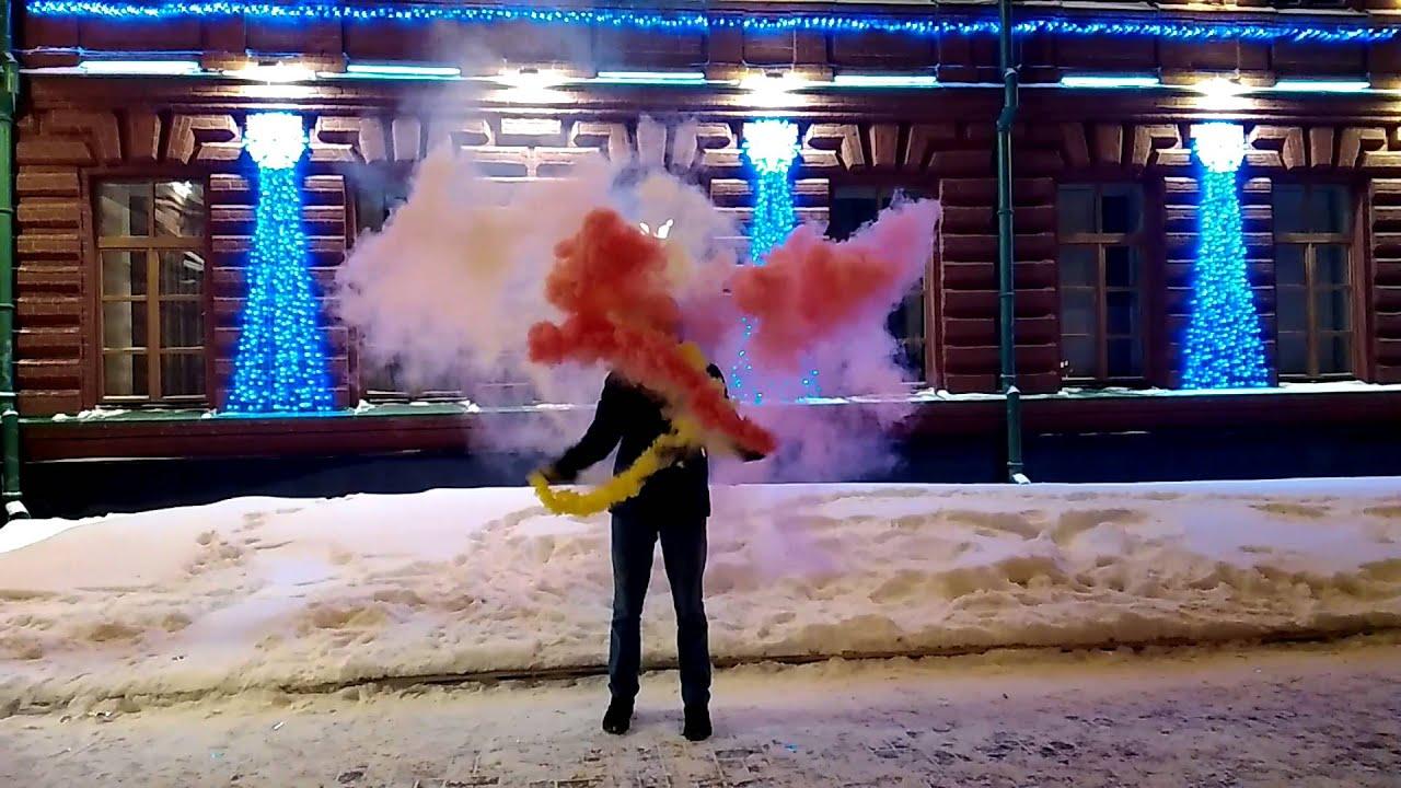 В интернет-магазине пиротехники вы можете купить цветной дым оптом и в розницу с доставкой по рф. Дымовые шашки применяются при игре в страйкбол и пейнтбол, разноцветные дымовые «хвосты» часто используют парашютисты и парапланеристы, горнолыжники, любители паркура и все.