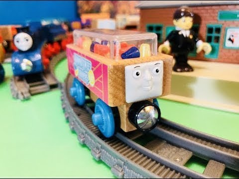 Fisher Price Wooden Thomas And Friends In Movimento Sodor Sweet Shoppe Candy Car 03203it