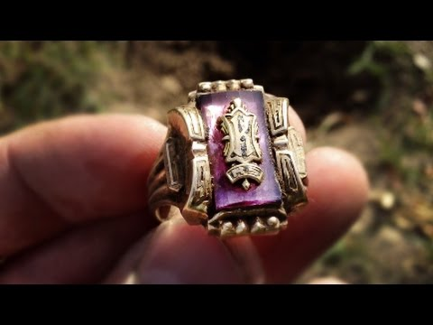 Download Youtube: What he does after finding a huge gold ring is totally unexpected.